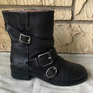 Lucky Brand Black Buckle Shoe Amputee Right